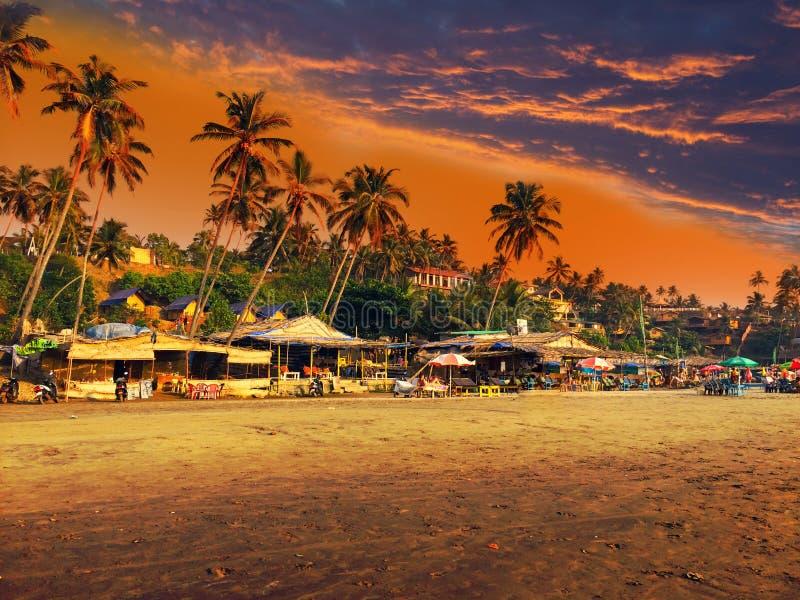 Indien goa Strand auf Sonnenuntergang lizenzfreie stockfotos