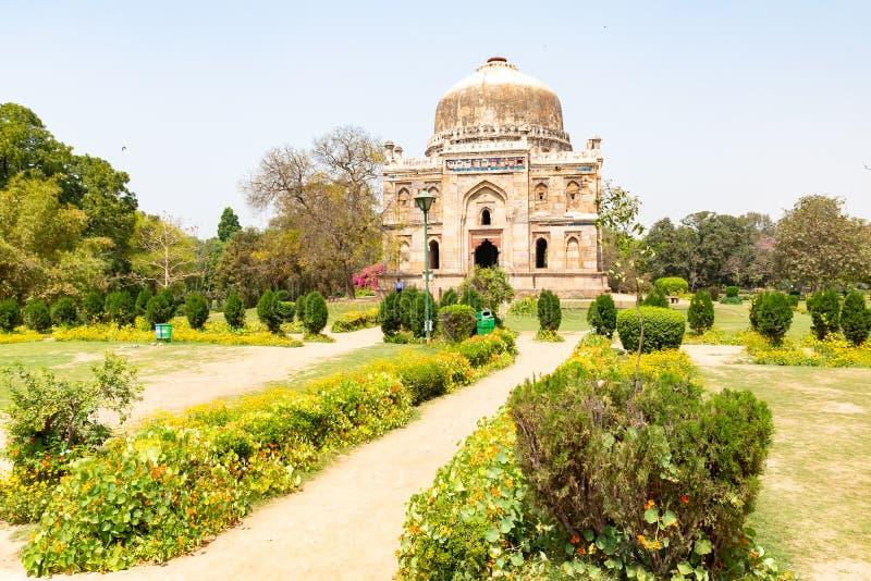 Indien New Delhi, Sheesh Gumbad, 30 Mars 2019 - Sheesh Gumbad gravvalv fr?n den sista h?rstamningen av den Lodhi dynastin som pla royaltyfri foto