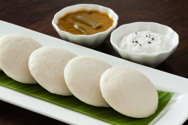 Indien oisif avec le chutney et le sambar photographie stock