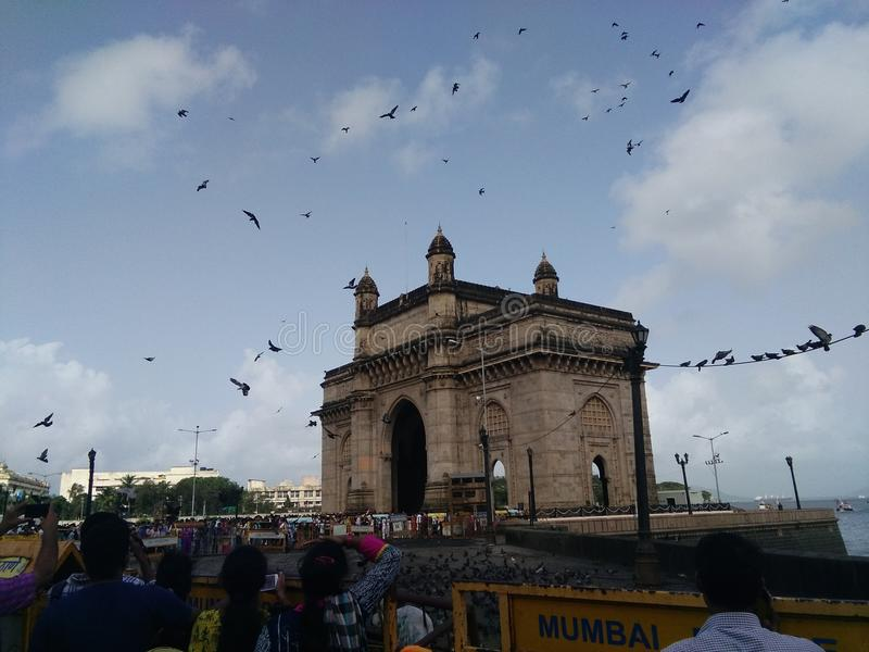 Indien-Tor bei Mumbai am Nachmittag lizenzfreie stockfotos