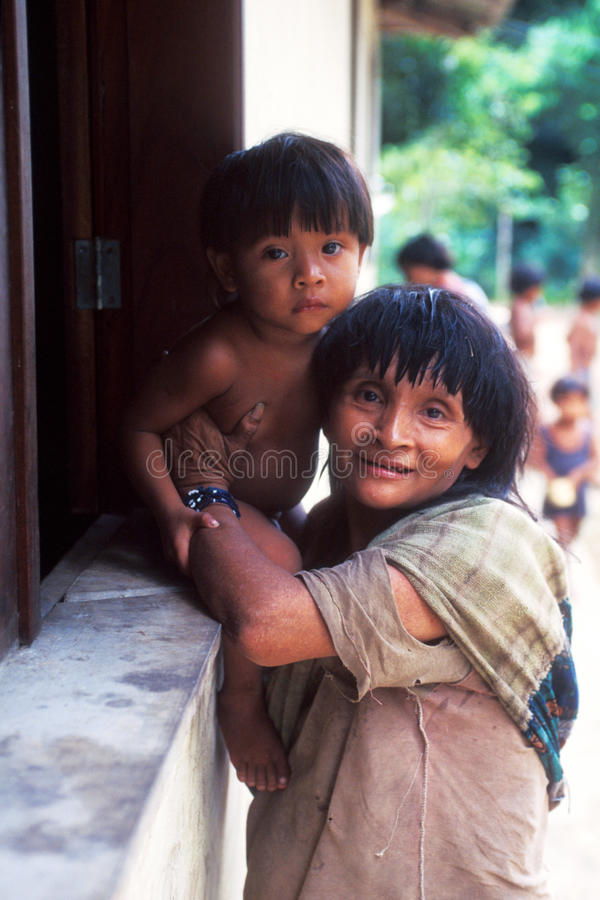 Indiens de guaja du Brésil d'awa indigènes photographie stock libre de droits