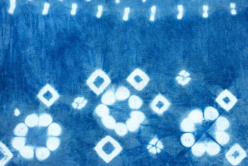 Indigoblau-Bindungsfärbungsmuster-Zusammenfassungshintergrund stockfotografie