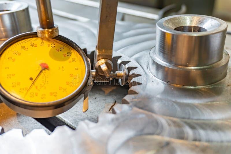 Indikatorhebel tippen Maschinenbau für genaue Ausrichtung von Teilen entlang der Achse ein lizenzfreie stockbilder