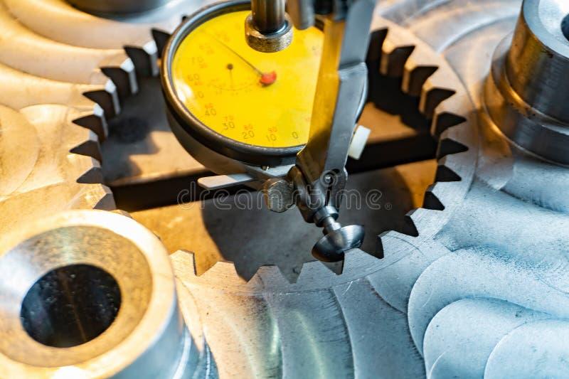 Indikatorhebel tippen Maschinenbau für genaue Ausrichtung von Teilen entlang der Achse ein lizenzfreies stockbild