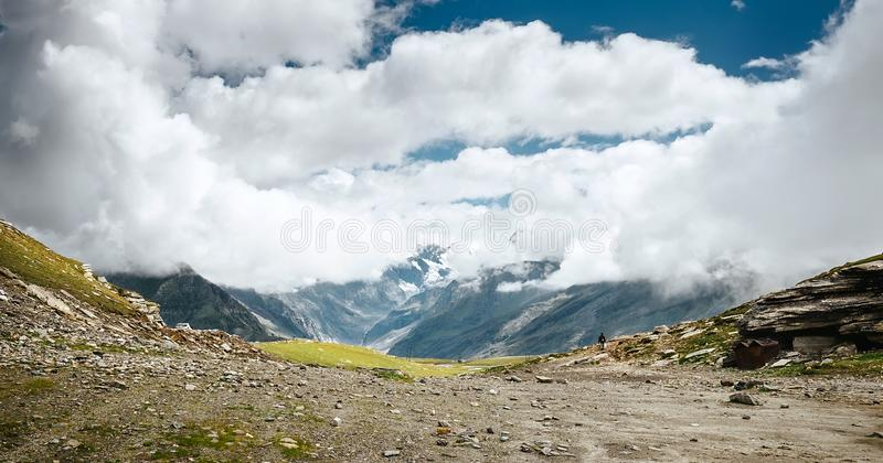Indio Himalaya - paso de Rohtang o La de Rohtang, 3978 m fotos de archivo libres de regalías