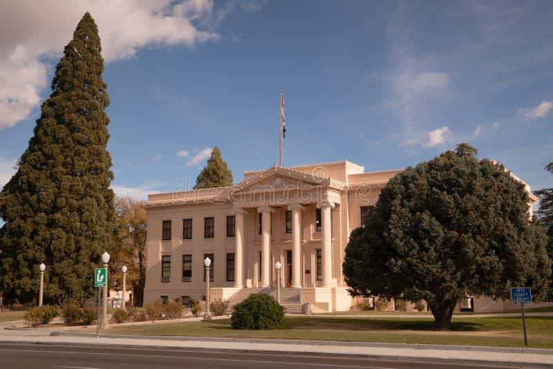 Indipendenza California della strada principale 395 di Main Street del tribunale della contea di Inyo fotografia stock