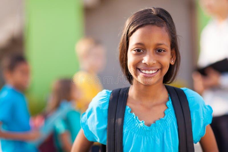 Indisch elementair schoolmeisje royalty-vrije stock afbeelding