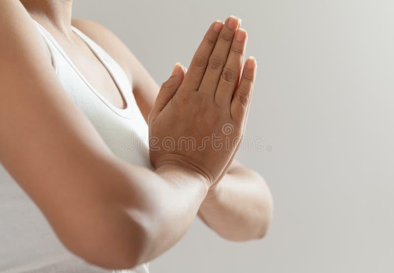 Indisch meisje in meditatie 3 stock foto's