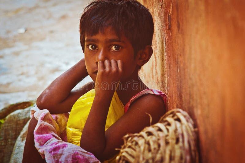 Indisch Meisje op de straat royalty-vrije stock afbeelding