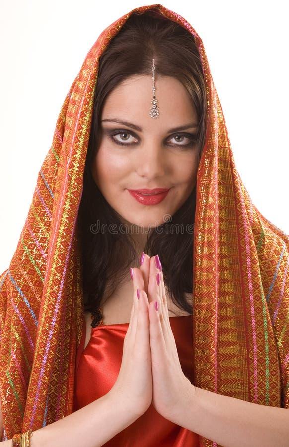 Indisch meisje in rode sjaal royalty-vrije stock foto