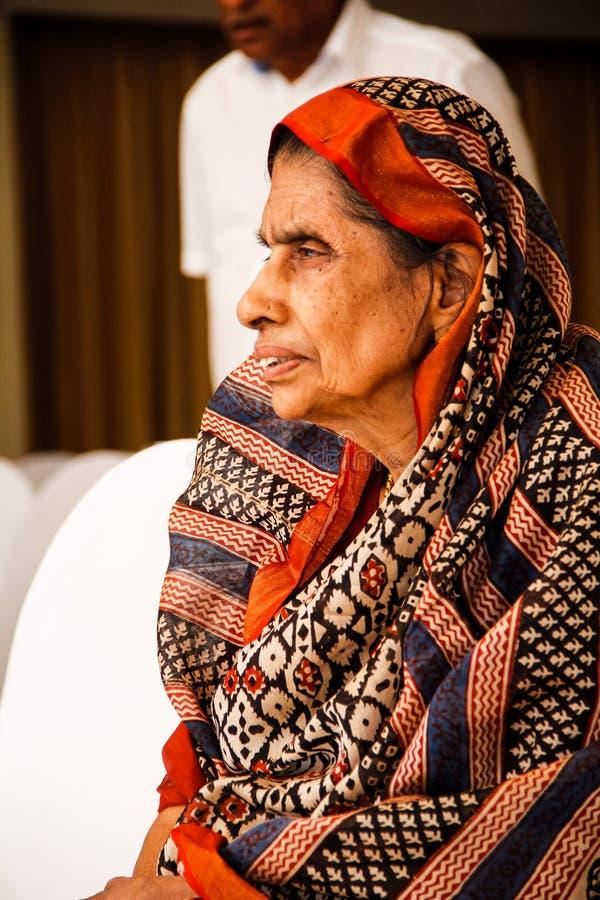 Indisch Oud Vrouwen` s Portret stock fotografie
