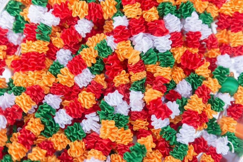 Indisch traditioneel cultuurmateriaal van kleurrijke stoffen stock foto's