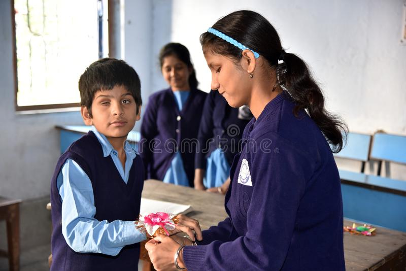 Indische Blinde Student During Raksha Bandhan Festival royalty-vrije stock afbeelding