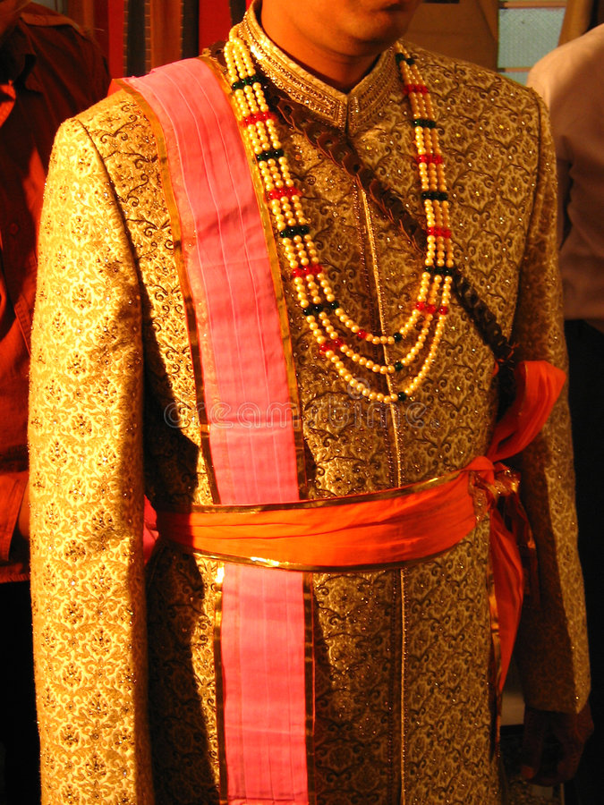 Indische Bräutigam-Kleidung lizenzfreie stockbilder