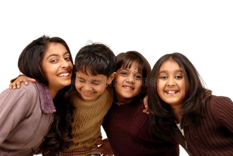 Indische Brüder und drei Schwestern lizenzfreie stockbilder