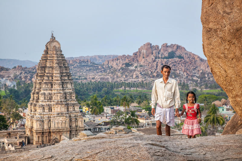 Indische familie in Hampi stock fotografie