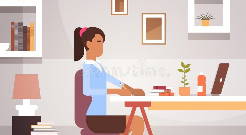 Indische Geschäftsfrau-sitzende Schreibtisch-Arbeitsgeschäftsfrau Office vektor abbildung