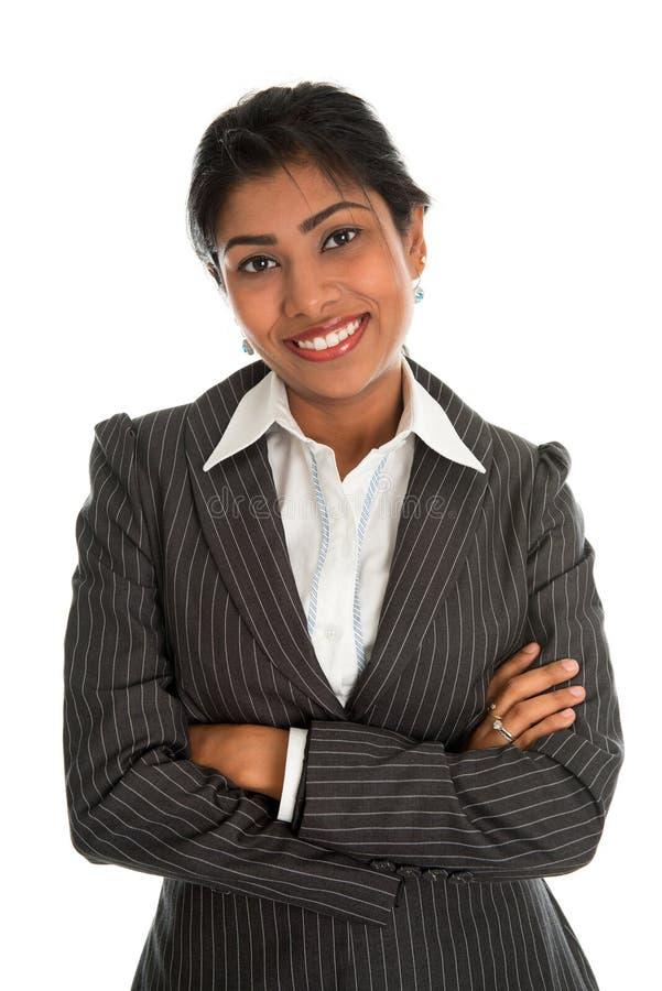 Indische Geschäftsfrauarme gekreuzt lizenzfreies stockbild