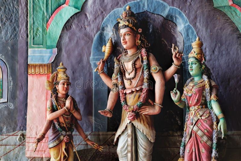 Indische Gottheits-Statuen in Batu-Höhlen, Malaysia lizenzfreie stockbilder