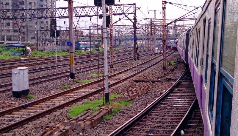 Indische het spoorverandering van de spoorweg lokale trein stock foto