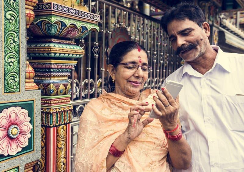 Indische hogere paar het besteden tijd samen royalty-vrije stock foto's