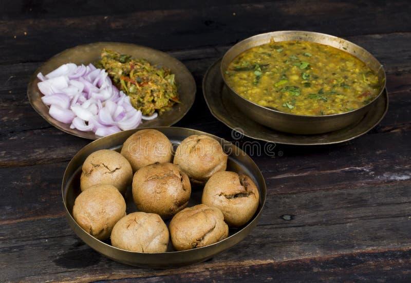 Indische Küche Dal Baati lizenzfreies stockfoto