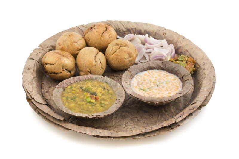 Indische Küche Dal Baati lizenzfreie stockfotos