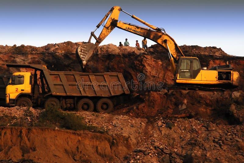 Indische Kohlenbergwerke im Tagebau lizenzfreie stockfotos