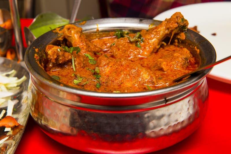 Indische kruidige Kerriekip Masala stock afbeeldingen