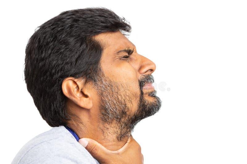 Indische mens die een keelpijnclose-up hebben royalty-vrije stock foto's