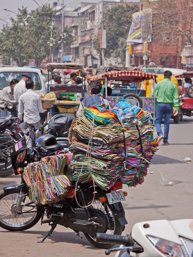 Indische Motorfietslading royalty-vrije stock afbeeldingen
