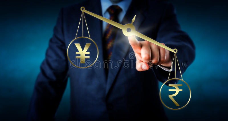 Indische Rupie Yen Or Yuan mehr wiegend als lizenzfreies stockfoto