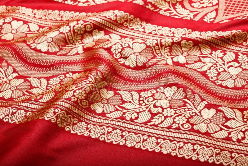 Indische Sari mit Falten clouse oben stockfotografie