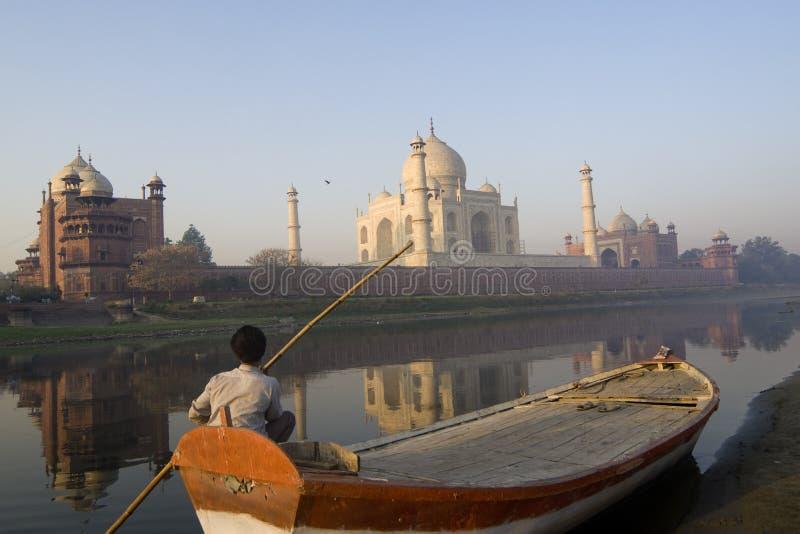 Indische Segleruhr das großartige Taj Mahal lizenzfreies stockfoto