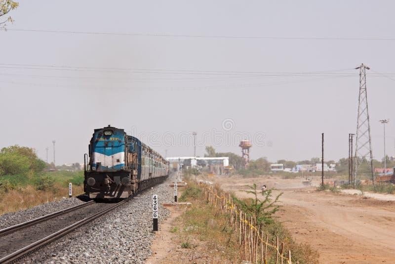 Indische Sneltrein in Rajasthan royalty-vrije stock fotografie