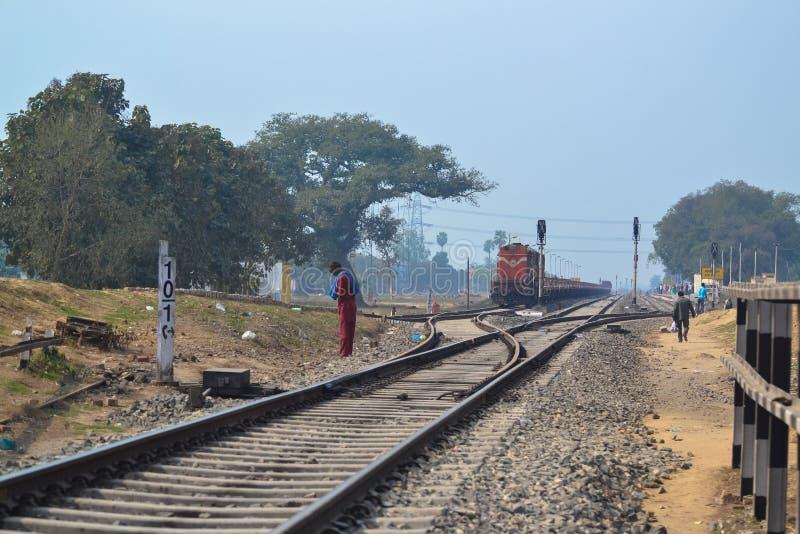 Indische Spoorwegen, buiten Allahabad, India stock foto's