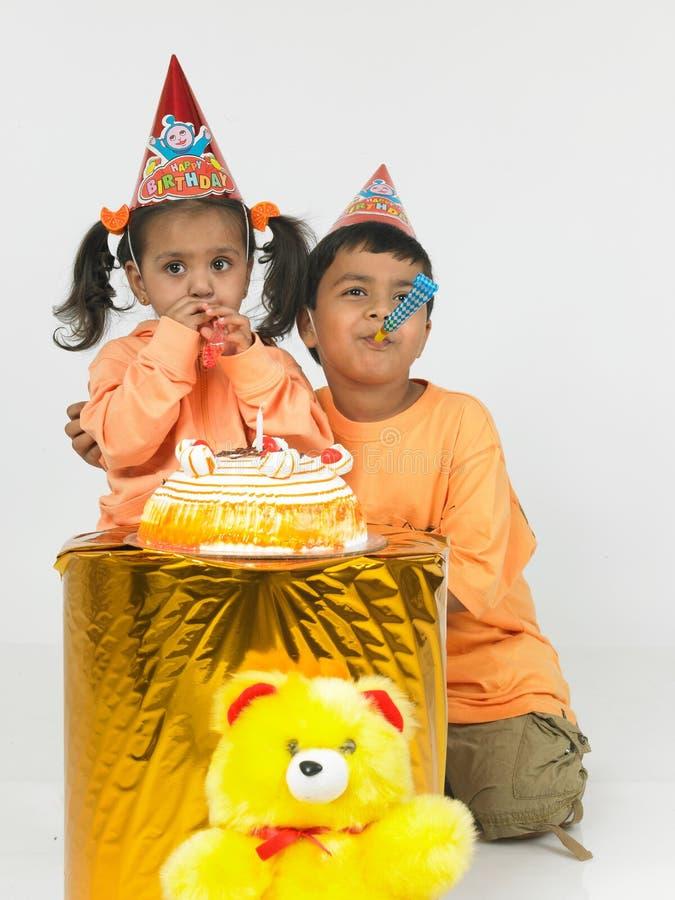 Indische verjaardagsvieringen stock foto's
