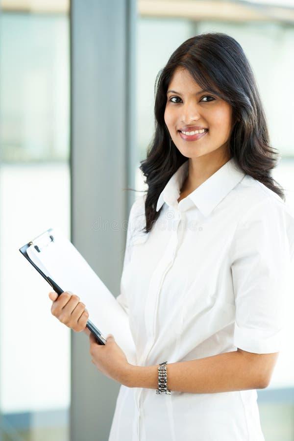 Download Indischer Büroangestellter stockbild. Bild von schönheit - 26366783