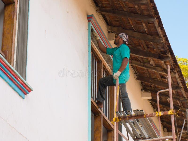 Indischer Bauarbeiter in Cochin, Kerala, Indien stockbilder