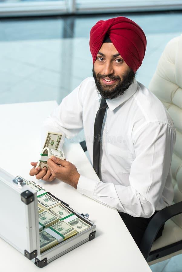 Indischer Geschäftsmann lizenzfreies stockfoto