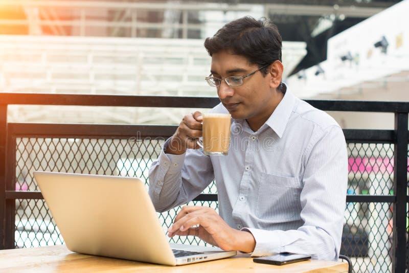 Indischer Geschäftsmann stockbild