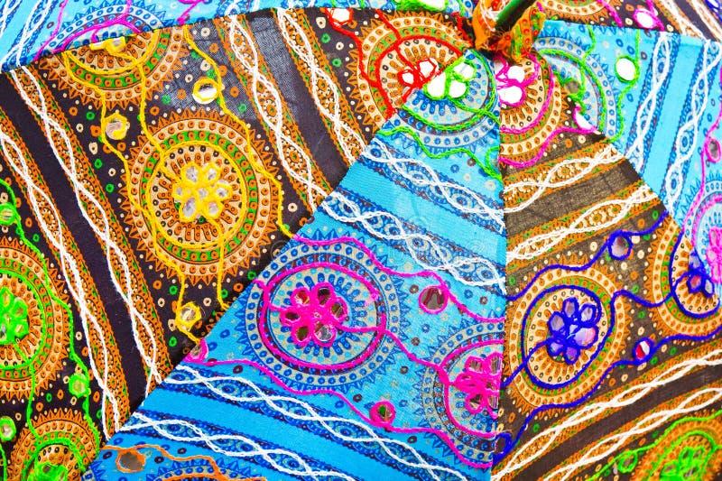 Indischer stoff stockfoto bild von baumwolle purpurrot for Sonnenschirm indisch