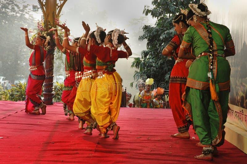 Indischer Tänzer lizenzfreie stockfotografie