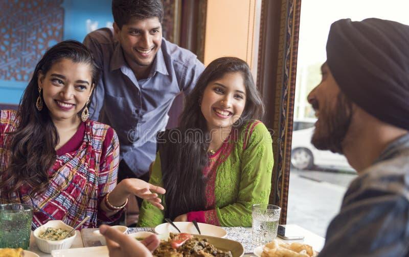 Indisches Curry-Konzept Ethnie-Mahlzeit-Lebensmittel Roti Naan stockfotografie