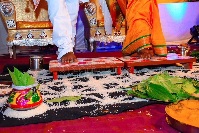 Indisches Hochzeitszeremonieritual, Pune, Maharashtra lizenzfreies stockfoto
