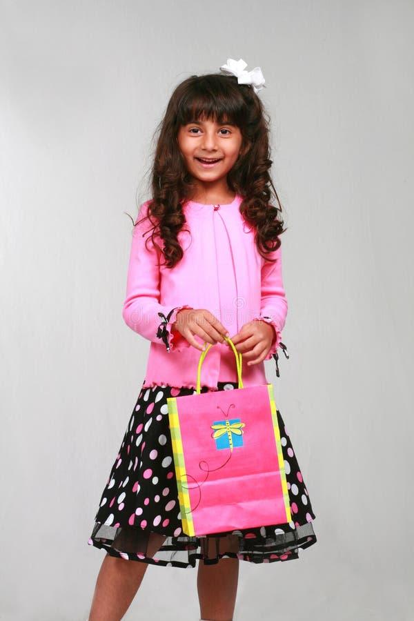 Indisches Mädchen mit Beutel lizenzfreies stockfoto