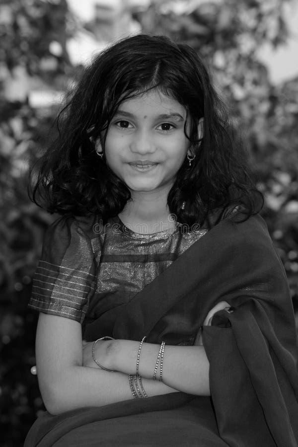 Indisches Mädchen-Südc$ausdrücken lizenzfreie stockfotos