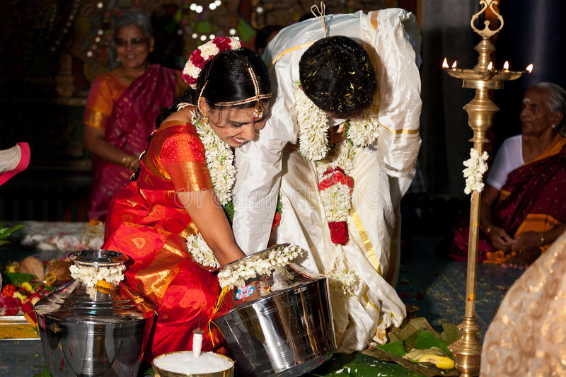 Indisches (Tamil) traditionelles Wedding Cerremony stockfotos