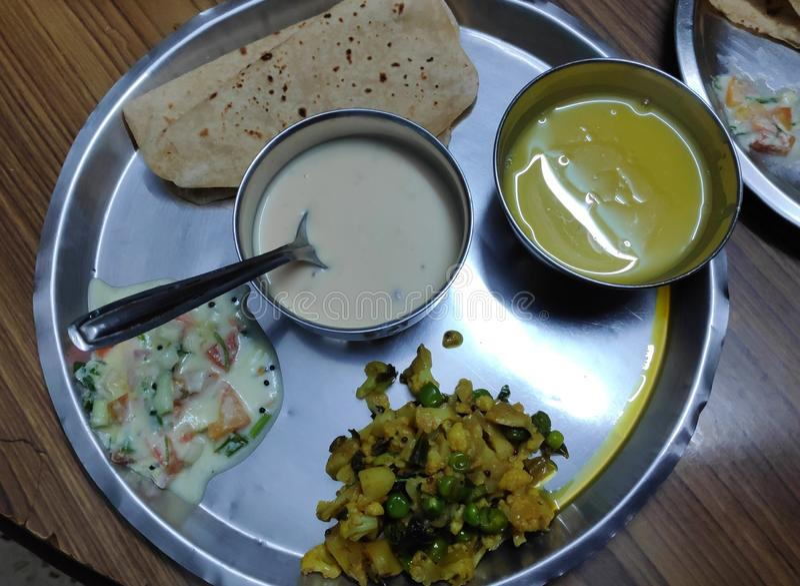Indisches veg thali stockfotografie