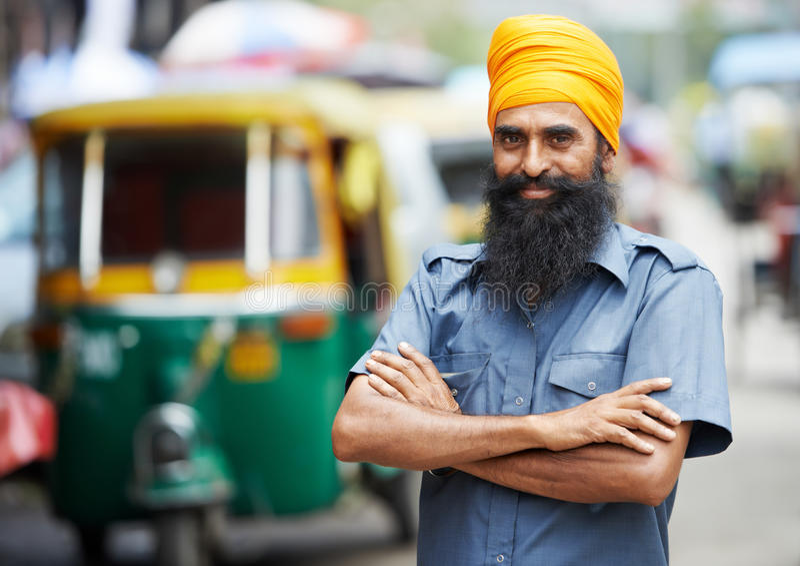 Indisk auto man för rickshawtut-tukchaufför royaltyfria foton
